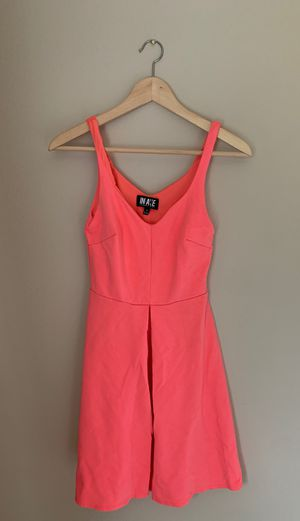 Hot pink dress for Sale in Lake Stevens, WA