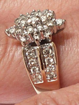 14K Yellow Gold 1ctw Genuine Diamond Ladies Cluster Ring for Sale in Costa Mesa, CA