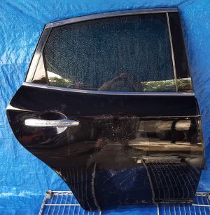 2011-2017 INFINITI M37 Q70 REAR RIGHT PASSENGER SIDE DOOR for Sale in Fort Lauderdale, FL