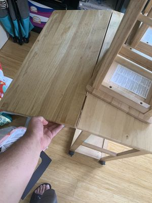 Small portable kitchen table with drawers and stools for Sale in Gilroy, CA