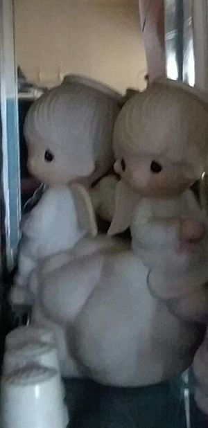 Precious Moments figurine... angels on a cloud duo for Sale in Mascoutah, IL