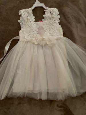 Beautiful white dress. 2T -3T for Sale in Pomona, CA