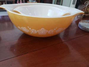 5pc Vintage Pyrex bowls for Sale in Whittier, CA