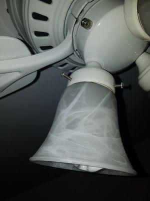 Hunter 5 blade ceiling fan for Sale in Alexandria, VA