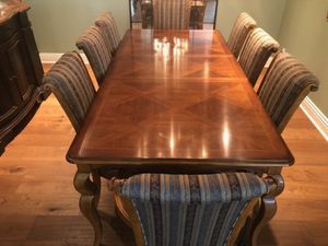 DREXEL HERITAGE DINING TABLE & CHAIRS for Sale in Thousand Oaks, CA
