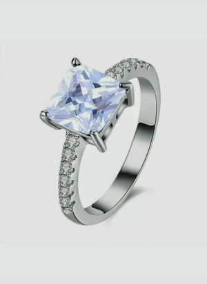 NEW Nuevo Women's Silver Plated Cubic Zirconia Ring Size 8 in Plastic Package for Sale in Modesto, CA