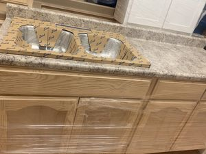 6ft kitchen cabinet countertop & sink for Sale in Carson, CA