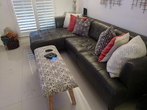 Black sofa 2 piece in perfect condition NEED GONE TODAY for Sale in Hialeah, FL