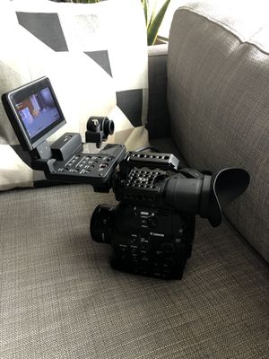Canon C300 EF Cinema Camera KIT + Pelican Case + 50mm 1.8 Lens Exc Condition for Sale in Fullerton, CA
