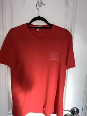 Burberry t-shirt for Sale in Los Angeles, CA