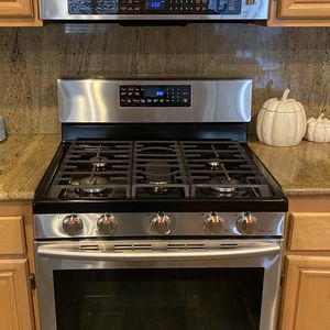 Samsung Convection Oven & Microwave for Sale in Corona, CA
