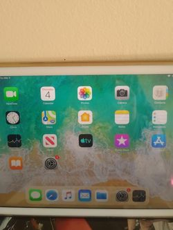 Ipad Air for Sale in Newton,  MA