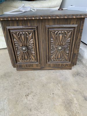 Antique cabinet/end table for Sale in Virginia Beach, VA