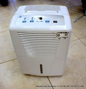 GE Dehumidifier ADEL30LR for Sale in Boca Raton, FL