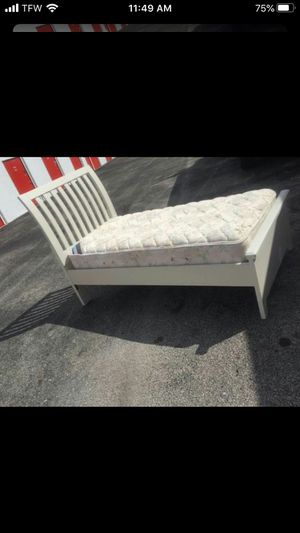 Twin bed with mattress for Sale in Tamarac, FL