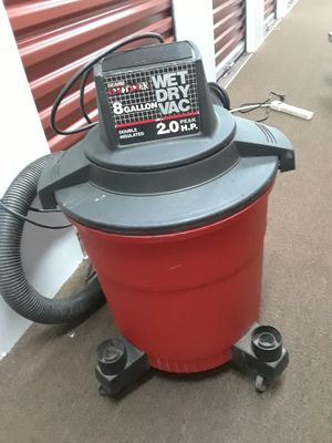 8 gallon shop vac for Sale in Chicago, IL