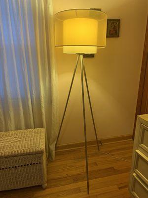 Mid Century modern floor lamp for Sale in Columbus, OH