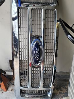 09-14 Ford F150 Lariat Front Grille for Sale in San Antonio,  TX