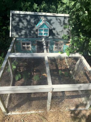Rabbit or chicken coop for Sale in Sandy, OR