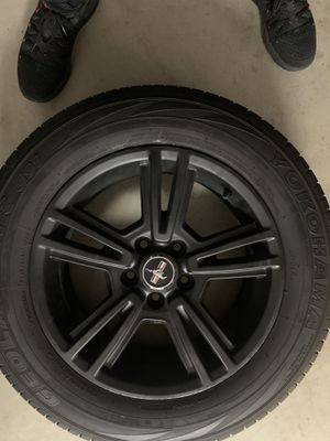 """17 inch """" mustang rims w/ tires for Sale in Palmdale, CA"""