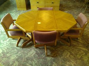 Kitchen Table Set for Sale in Fort Wayne, IN