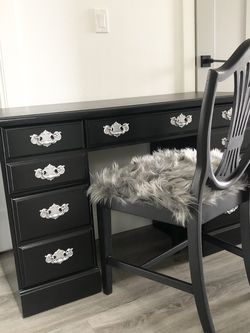 Black Desk/vanity With Chair for Sale in Hillsboro,  OR