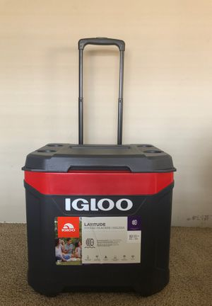 Igloo latitude cooler 60 qt for Sale in Houston, TX