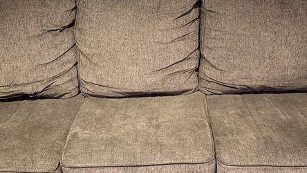 Like New Couch With Pull Out Bed for Sale in Aurora,  CO