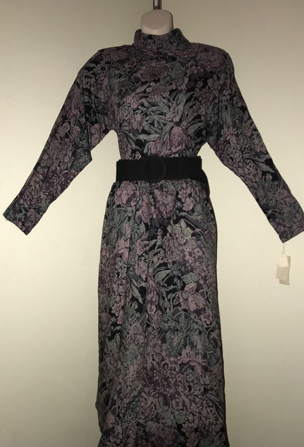 MOVING & CLOSEOUT SALE !!! New Beautiful vintage floral holiday dress for sale !!!