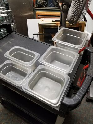 Restaurant salad containers for Sale in Oakbrook Terrace, IL