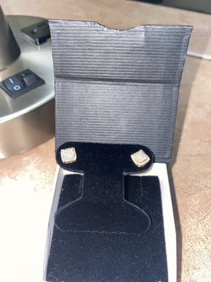 Half carat 14 karat yellow gold in case and diamonds earrings for Sale in Hyattsville, MD