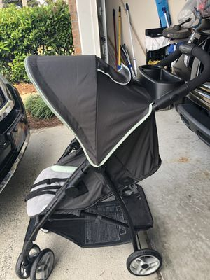 Graco Lightweight Jogger Stroller and matching car seat for Sale in Destin, FL