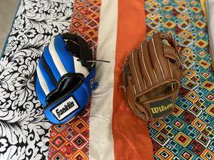 Baseball gloves (TBall size) for Sale in Belle Isle, FL