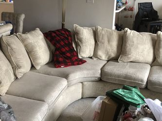 Cream Sectional for Sale in St. Louis,  MO
