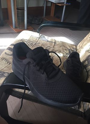 Black nike running shoes 10/10 condition for Sale in Columbus, OH
