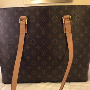 Louis Vuitton Luco Tote Shoulder Bag (retired in 2006) for Sale in Columbus, OH