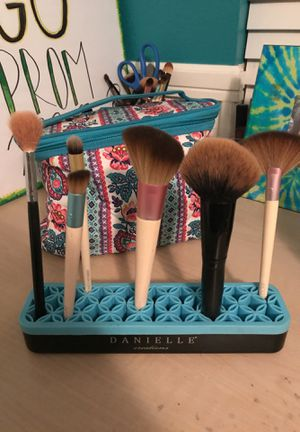 Makeup brush holder for Sale in Chino, CA