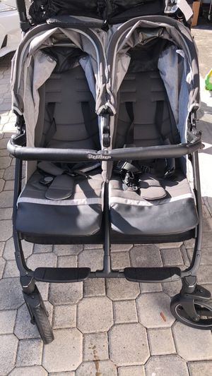 Peg Perego Book for 2 Double Stroller for Sale in Pembroke Pines, FL