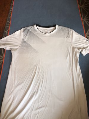 Large white Reebok shirt for Sale in San Diego, CA