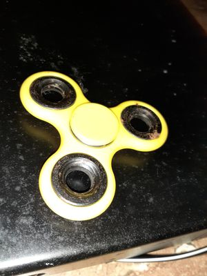 YELLOW FIDGET SPINNER NEW NO BOX for Sale in San Diego, CA