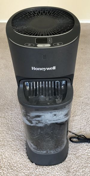 Honeywell humidifier for Sale in Dallas, TX