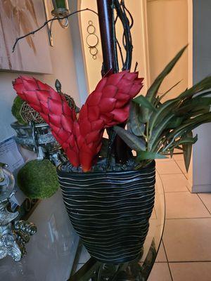 Beautiful flower arrangement for Sale in Apopka, FL