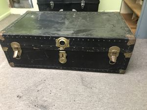 Old steamer trunk for Sale in Fairfield, NJ