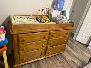 Baby dresser and changing table for Sale in FL, US
