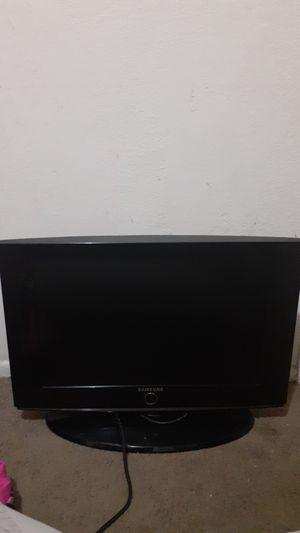 Samsung TV 30inch for Sale in Phoenix, AZ