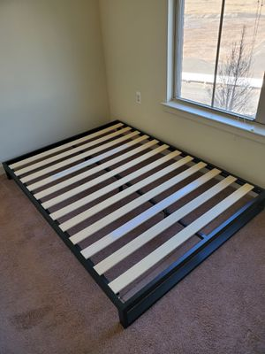 Full bed frame for Sale in Bloomfield, NJ
