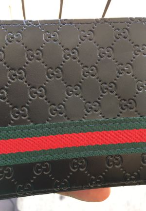 Gucci wallet for Sale in Largo, FL