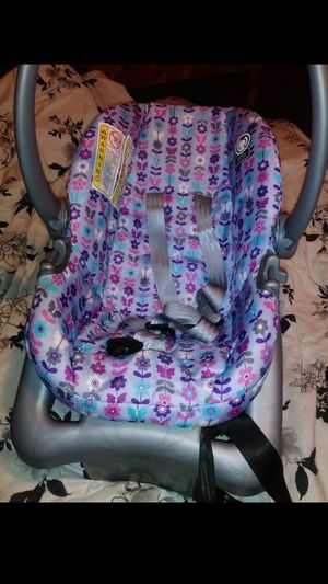 Cosco Infant Carseat for Sale in Bedford, OH