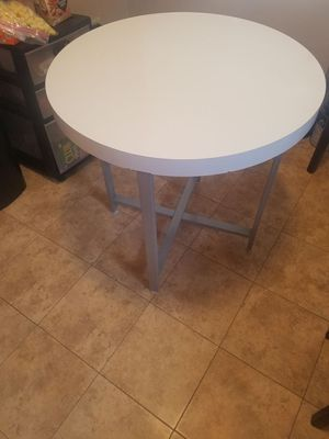 Sturdy small kitchen or patio table, good condition. for Sale in Oak Lawn, IL