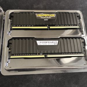 Corsair Vengeance LPX DDR4 16GB 2x8GB 3000mhz RAM for Sale in Miami, FL